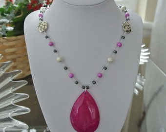 Pink Agate pendant with beaded necklace