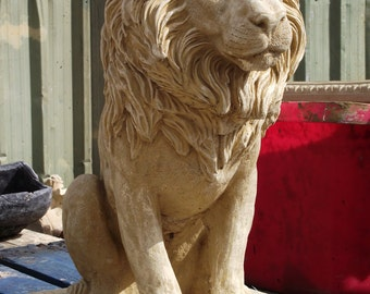 Large Hand Crafted/Finished Cotswold Stone Garden Lion Statue