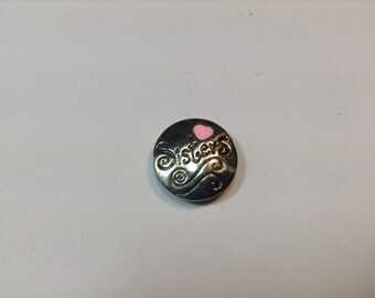 """1- 20mm silver """"SISTERS""""  Snap Button with a pink heart"""