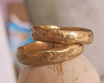Rustic Distressed ring 14k gold band - Roman Relic