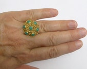 Vintage statement ring. Green Adventurine ring, Dome ring, Chinese export. filigree ring. Gilt silver