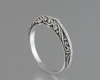 BEATRICE silver band with white sapphires