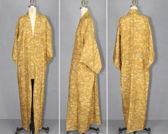 1950s kimono / silk robe / vintage kimono / MARIGOLD japanese kimono