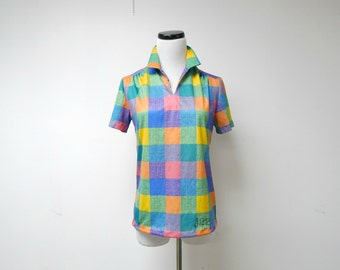 WEARING COLORS . 1970 vintage shirt . made in USA . small to medium