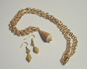 Seashell Necklace with Matching Earrings Gold Tone Wire Handmade Chain Summer Beachwear