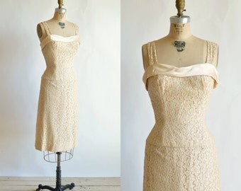 1950s Peach Lace Dress --- Vintage Cocktail Dress