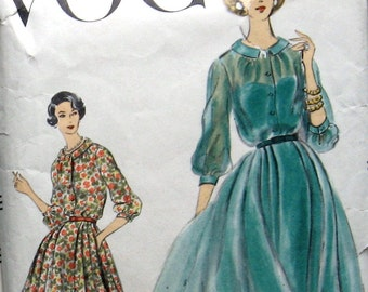 Vogue 1950s Womens Dress Pattern With Soft Pleated Full Skirt Sz12