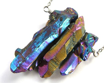 Rock crystal shard necklace in iridescent rainbow colors, multicolor vitrail
