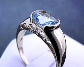 1.60Ct AAAA Natural Aquamarine  9x7mm 14K gold ring 3.5 grams 1022 n