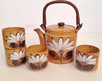 vintage tea set - ceramic lotus flower tea pot and cups - 6 pieces