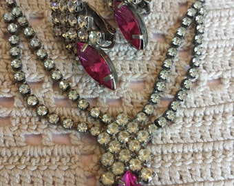 Vintage 50s Rhinestone Necklace & Clip on Earrings Set...Clear and Fuchsia