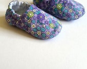 Reversible Baby Shoes, Violet Fields