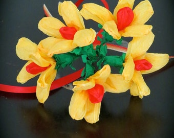 Daisy Mexican Paper Flower  Bouquet - Perfect for a gift or to add to your Day of the Dead altar- bunch of 5