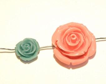 60% OFF -- DESTASH - Coral Pink and Teal Green Plastic Resin Rose Beads -- Vintage? --- Lot HH