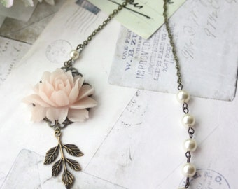 Blush Pink Rose, Ivory Pearls, Antiqued Brass Leaf Vintage Style Flower Necklace. Bridesmaid Gift, Soft Light Pink Rose, Rustic Pink Wedding