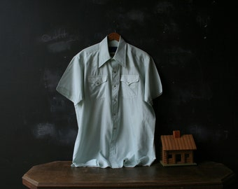 Vintage Mens Shirt Short Sleeve Very Light Weigh Mint Green Large 1960s Vintage From Nowvintage on Etsy