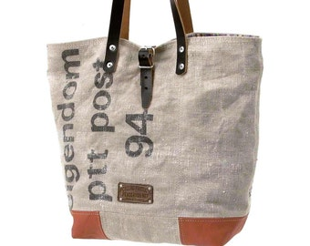 Dutch Postbag Shopper Handbag // Recycled and Handmade by peace4youBAGS - Model pauline-2173