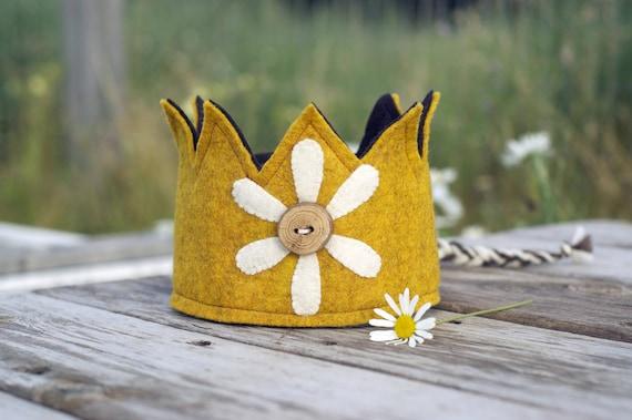 Felt Crown - Birthday Crown - Yellow - Daisy - Wood Button - Wool Felt - Waldorf