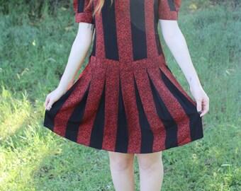 LAVA FLOW - 1980s Drop Waist Dress Red Black Geometric Abstract Flowy Urban Artist Bohemian Schoolgirl Funky Gothic Goth Retro Med