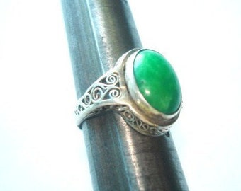 Asian Green Jade Sterling Filigree Ring Vintage Jewelry