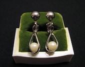 MINT Vintage Matte Brushed Silver Tone White Faux Pearl Caged Teardrop Dangle Clip Earrings