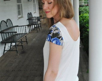 Veronika- T-Shirt/ Open back top/ Floral sleeves/Ecru t-shirt/ Ivory cotton t-shirt/Boho chic/ made to order/Made in USA/