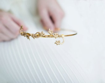 Lily Vine - Simple Golden Floral Vine Headband