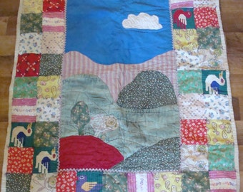 Beautiful rustic vintage baby quilt or wallhanging 1950s 1960s