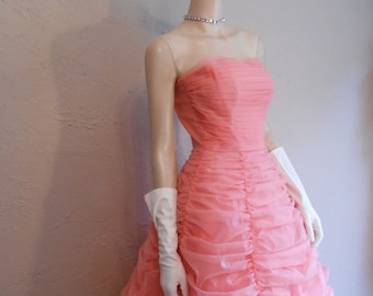 Swan Lake In Pinks - Vintage 1950s Bubblegum Pink Valance Style Strapless Gown Floor Length - 2