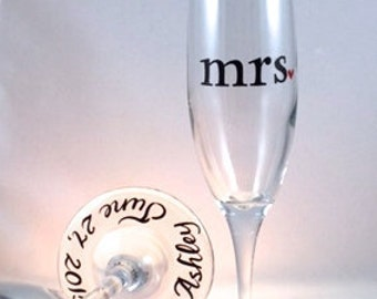 Personalized mr. and mrs. Wedding Toasting Flutes, champagne glasses