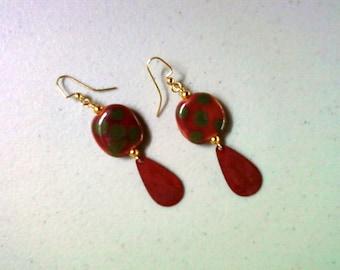 Dark Fuschia and Forest Green Spotted Kazuri Earrings (1352)