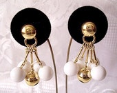 White Bead Bar Dangles Pierced Post Stud Earrings Gold Tone Vintage Liz Claiborne Smooth Long Five Bar Round Domed Button