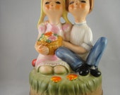 Fred Roberts Musical Figurine Eyes Closed Couple Kissy Faced
