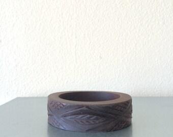 V I N T A G E / Carved Wood Bangle