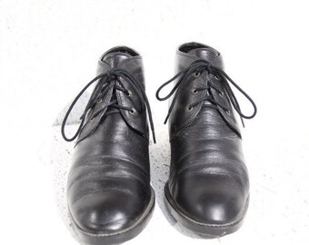 Black Leather Lace Up Boots - Vintage 1990s - Ankle Boots - Corsina - Size 7 (USA)
