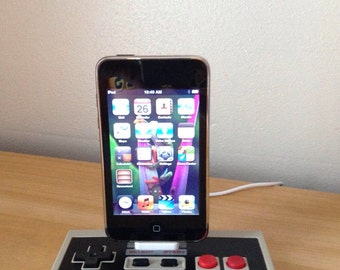 Nintendo NES controller iPod touch iPhone 4 4S USB charging dock