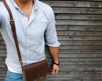 Waxed canvas day bag / small messenger bag COLLECTION UNISEX