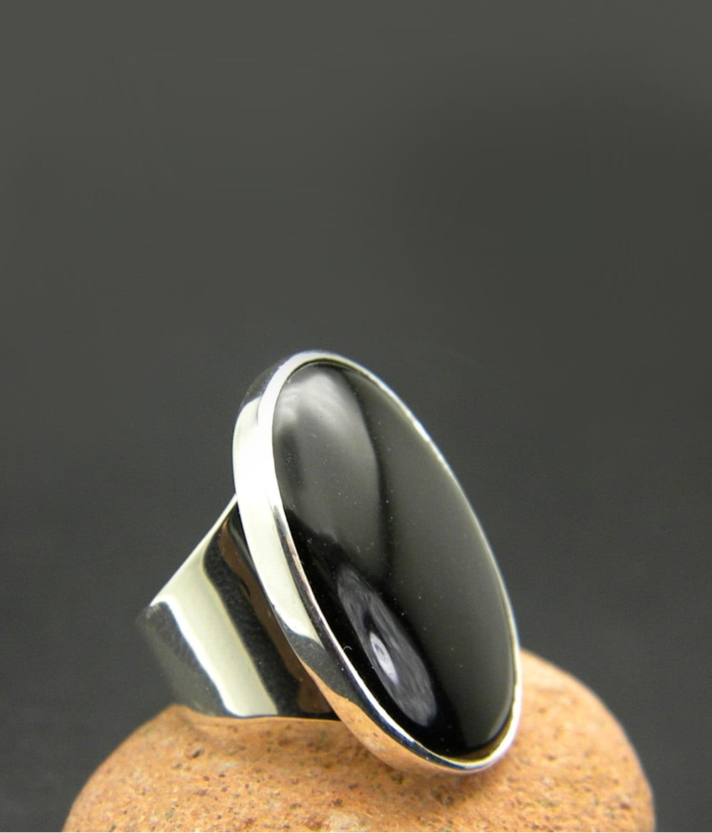 large black onyx ring sterling silver huge oval black stone. Black Bedroom Furniture Sets. Home Design Ideas