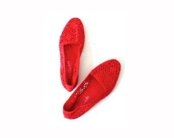 Vintage cherry red crochet flats // vintage flats // summer sandals // summer flats // crochet shoes //  kicks lace sandals // lace flats