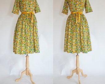 50s Shirtwaist Novelty Print Dress