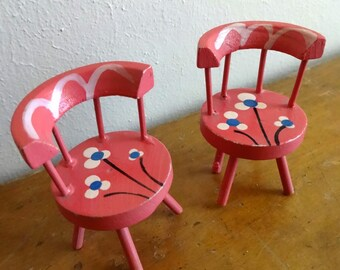 Vintage (2) piece hand painted wood pink dollhouse dining room / bistro chairs