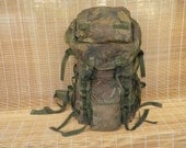 Vintage Military Very Large Size Camouflage Green Canvas Backpack Rucksack Extendable