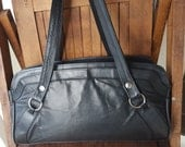 EVERYDAY   ///   Leather Shoulder Bag