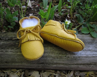Sizes 5 - 7 Elk Skin Baby Moccasins - Little Kids Mocs - Handmade Moccasins - Pre-School Gold Elk Mocs - Soft Sole