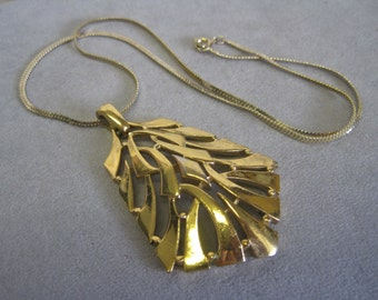 "Crown Trifari MODERNIST Necklace Large Gold Statement Pendant 20"" Flat Chain Runway Trend Modern Tribal Signed Designer"