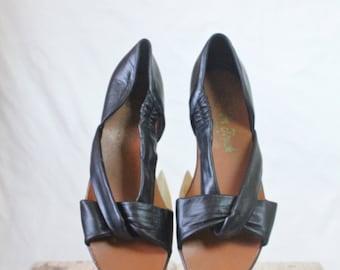 70's Soft Black Leather Sandals Sz 7