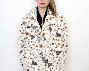 Vintage Off White Abstract Pattern Faux Fur Fuzzy Coat