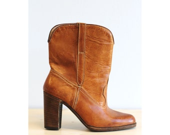 6/36 Natural leather heeled boots