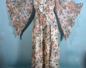 Vintage 60s 70s Boho Angel Sleeve Goddess Festival Concert Fair Hippie Maxi Dress/ Gypsy Floral Maxi Empire Waist Wedding Party Dress M