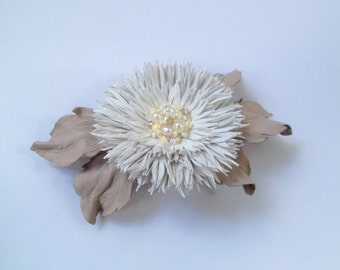 White off leather flower hair pin, Brooch in white, Handmade flower hair pin ,Mother of the bride flower, Bridesmaid gift, Mothers Day gift
